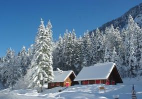 winter-cabin-pixabay.jpg